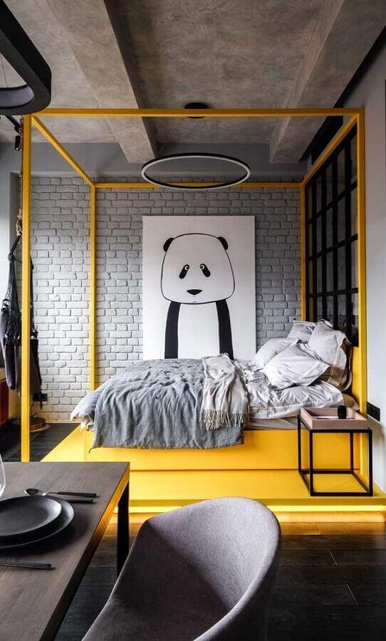 decoração estilo industrial para quarto com dossel amarelo e quadro tumblr grande Foto Pinosy
