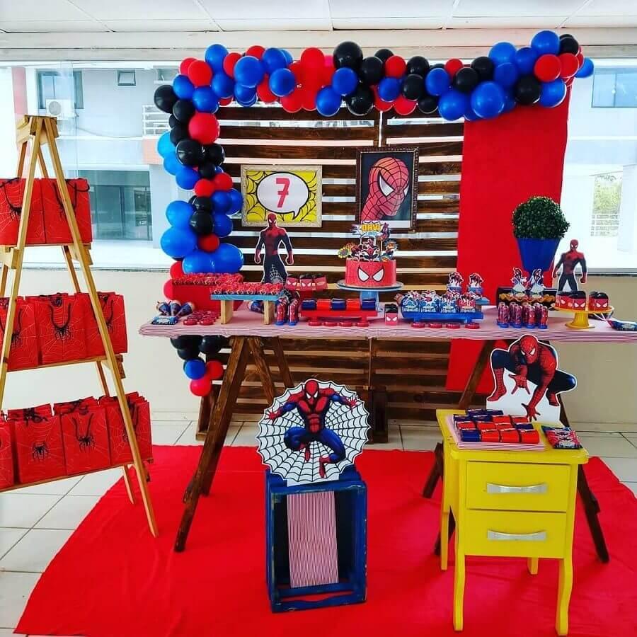 decoração festa do homem aranha simples Foto Com Açúcar Confeitaria