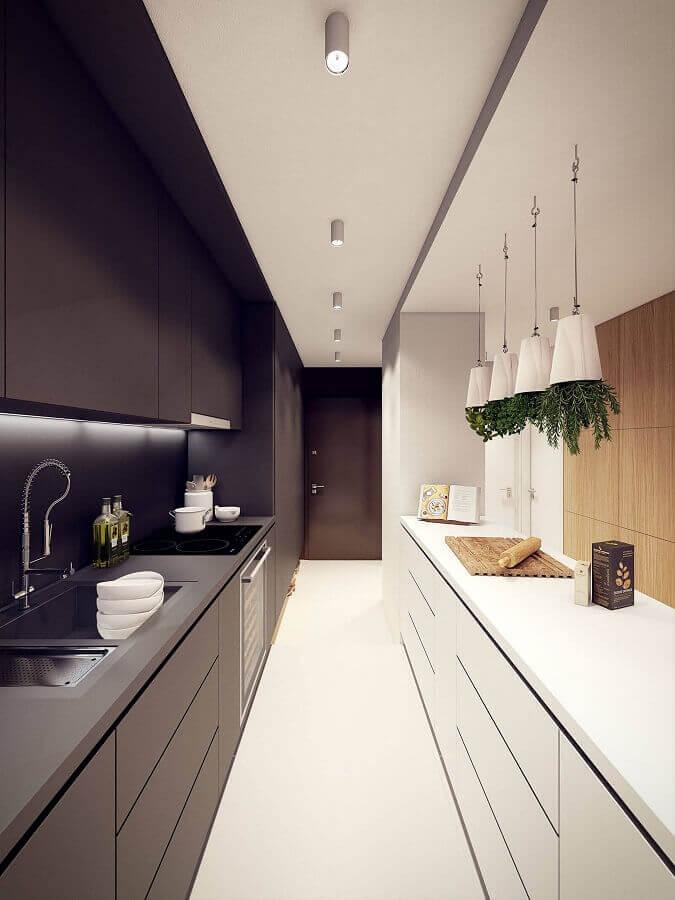 decoração moderna com armário de cozinha preto e branco Foto Behance