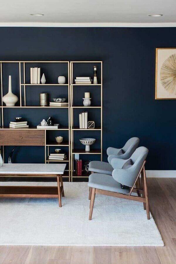 decoração moderna com parede azul petróleo Foto British Paints