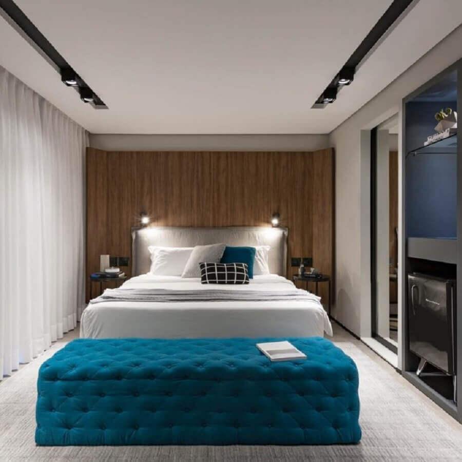decoração para quarto de casal com recamier azul petróleo Foto Consuelo Jorge Arquitetos