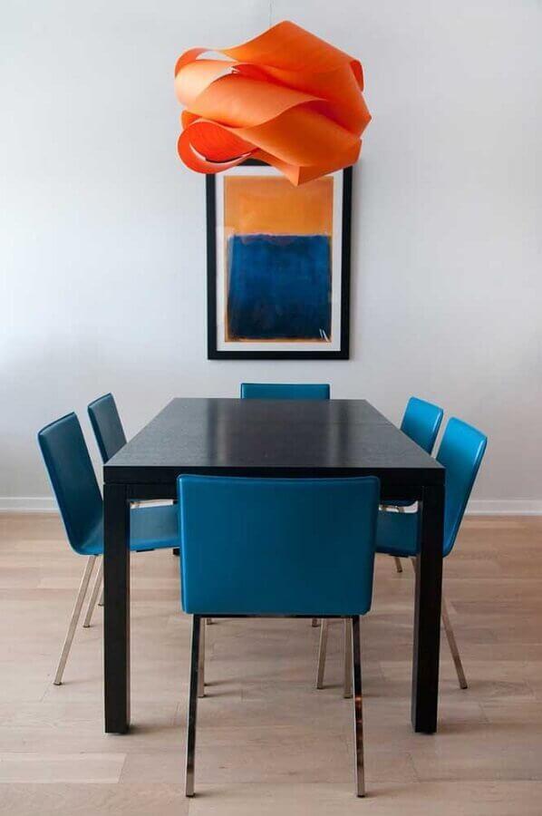 decoração sala de jantar simples com cadeiras azul petróleo Foto Ideias Decor