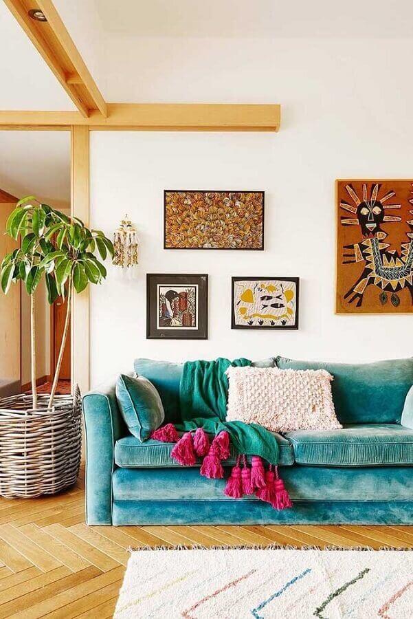 decoração simples com sofá azul turquesa Foto Antic&Chic