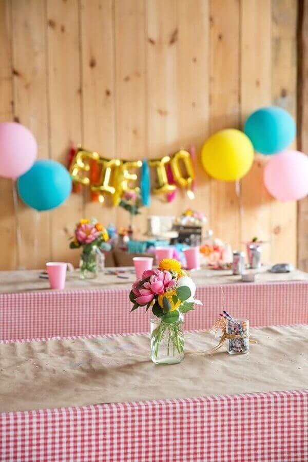 simple decoration with checkered towel for farmhouse party Photo Kara's Party Ideas