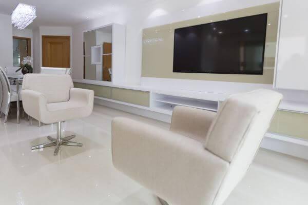 Poltronas para sala de estar na cor off white