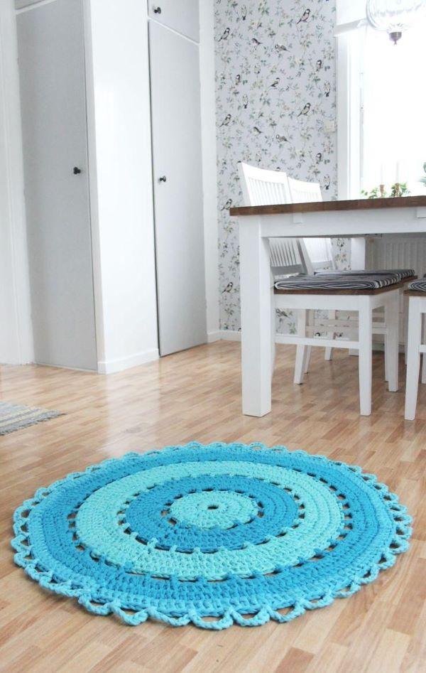 Tapete de crochê azul