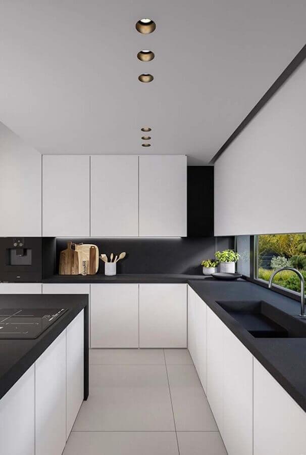 design moderno para armário de cozinha branco com bancada preta Foto Casa é Melhor