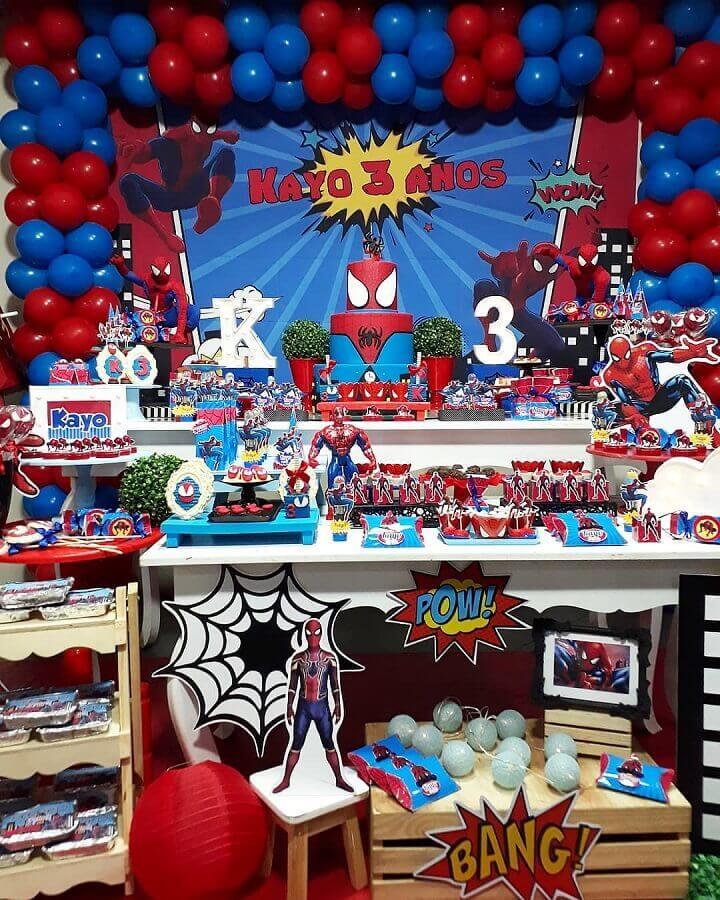 detalhes para decoração de festa do homem aranha Foto Macherry Mimos