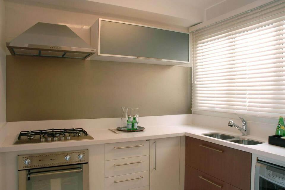 eletrodomésticos para cozinha - cozinha branca simples