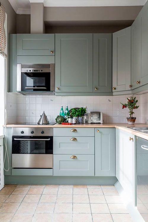 eletrodomésticos para cozinha - cozinha pequena om armários verdes - Tudo Especial