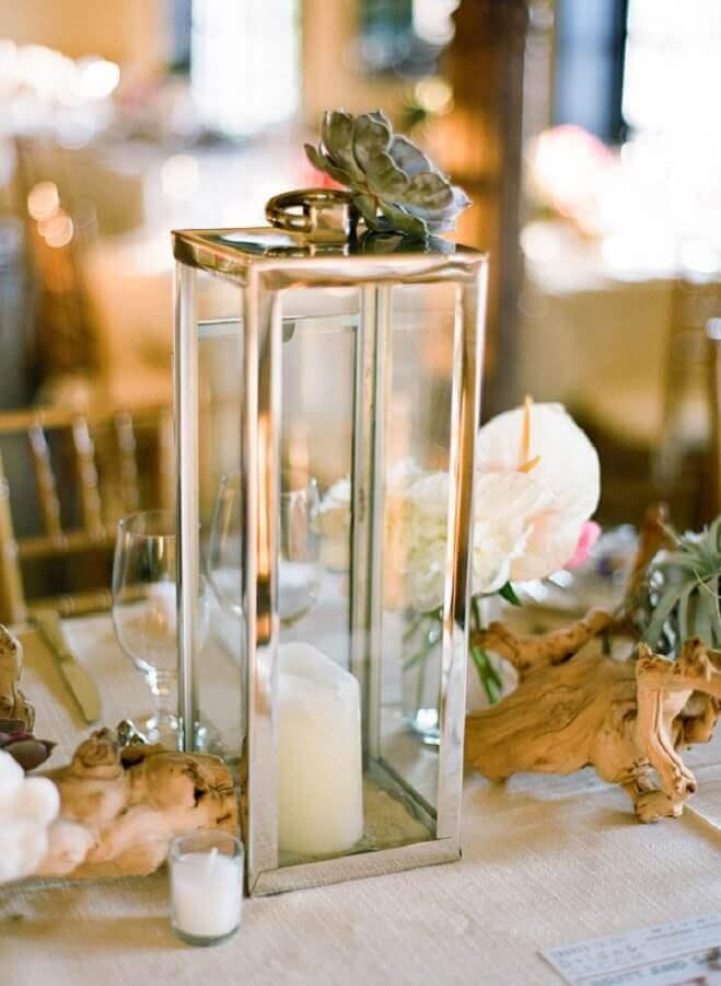 enfeites de casamento para mesa de convidados com lanternas de vidro Foto Elizabeth Anne Designs