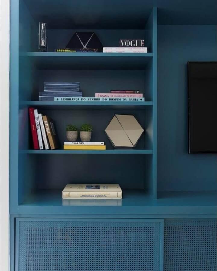 estante planejada em azul petróleo Foto Triplex Arquitetura