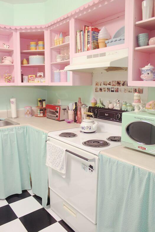 Fogão 4 bocas com cozinha estilo retrô