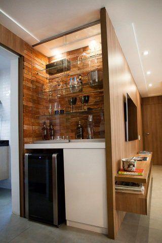 adega de madeira