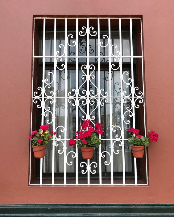 modelos de grades - grade branca com flores