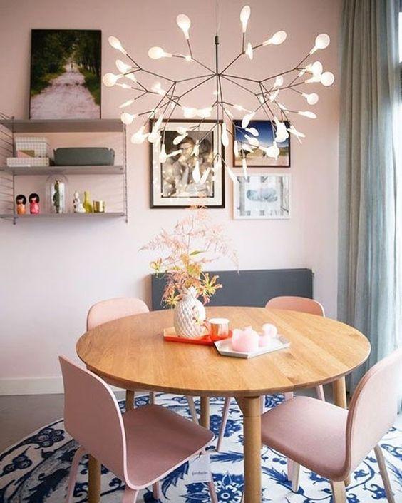 modelos de lustres - lustre com ramificações e lâmpadas brancas