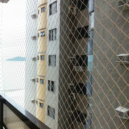 redes de proteção - varanda com redes de proteção