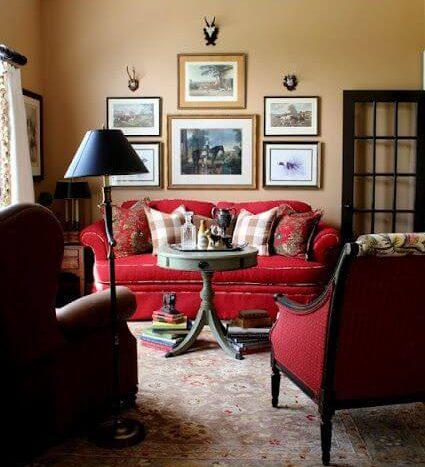sofá vermelho