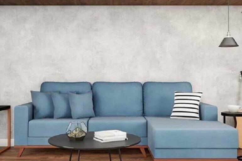 sala moderna decorada com sofá azul com chaise Foto Pinterest