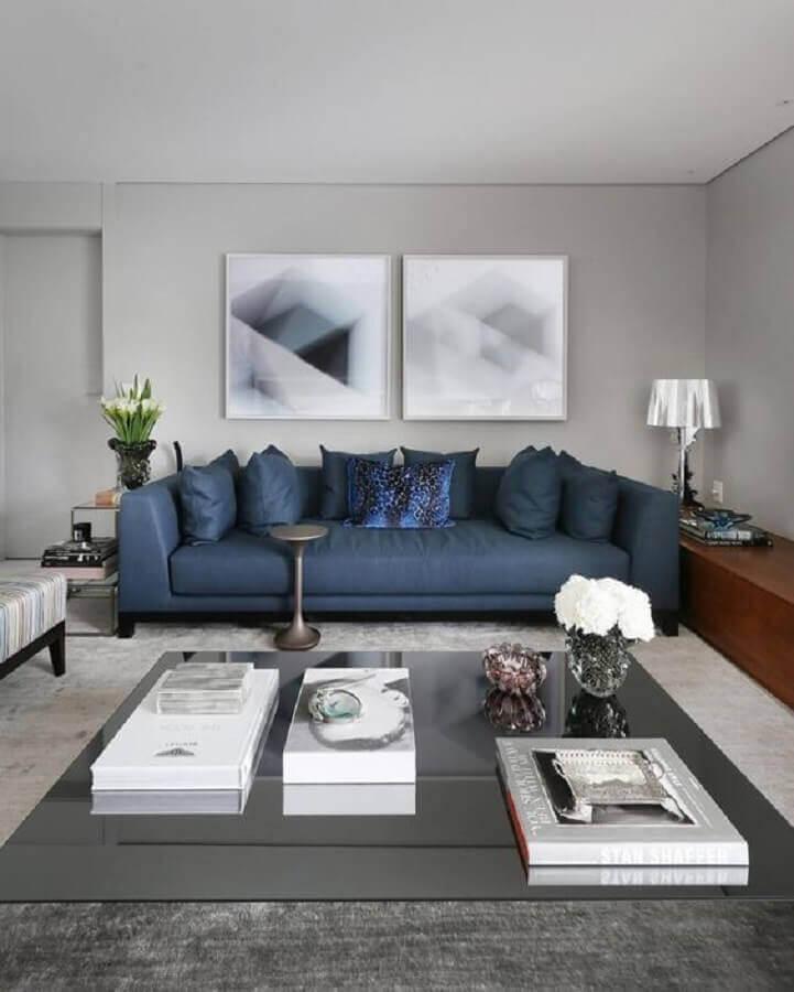 sofá azul escuro para decoração de sala cinza moderna  Foto Pinterest