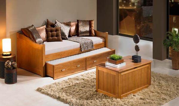 Sofá cama de madeira para sala de estar
