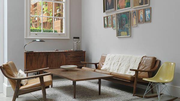 Sofá de madeira com couro