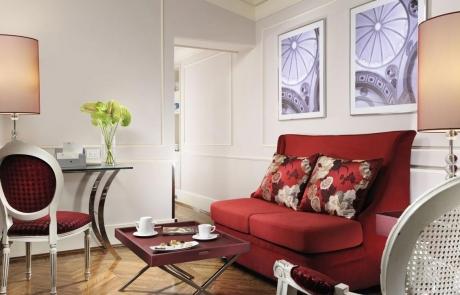 sofá retratil vermelho