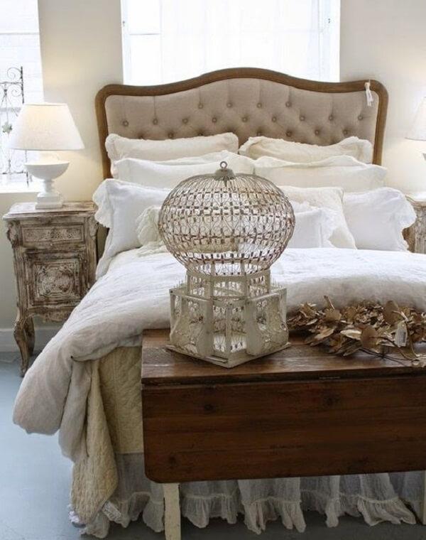 Gaiolas decorativas dá um charme na decoração do quarto de casal