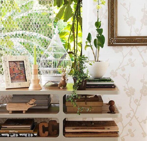 Invista em gaiolas decorativas com formatos engenhosos