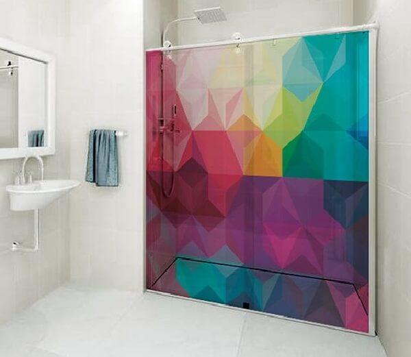 Adesivo para box de banheiro traz alegria ao ambiente
