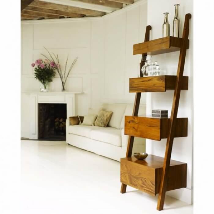 Estante escada madeira para sala de estar