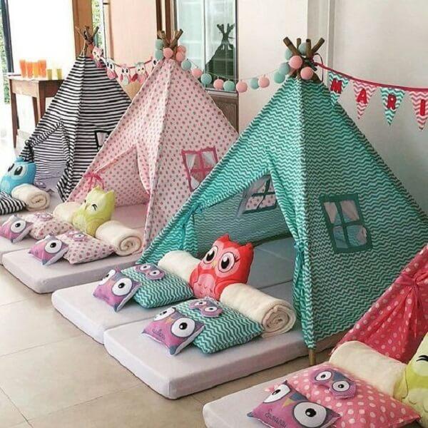 Festa do pijama com cabaninha infantil
