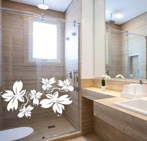 Invista em temas florais para adesivo para box de banheiro