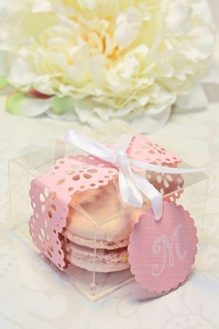 Macaron na caixinha para lembrancinha de maternidade