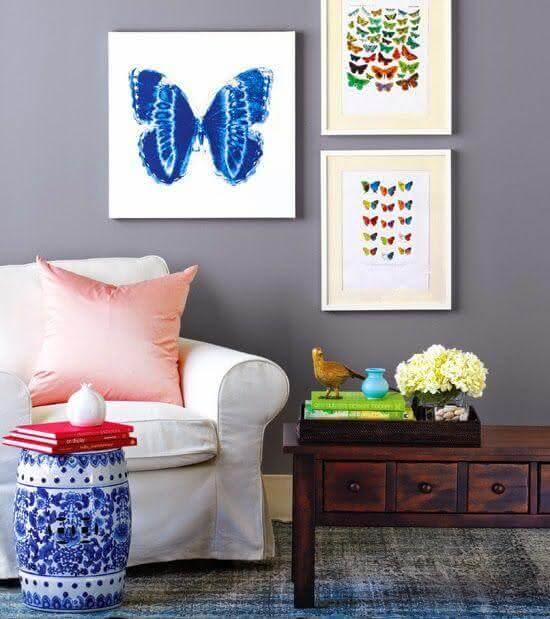 Modelo de garden seat em porcelana portuguesa decora a sala de estar