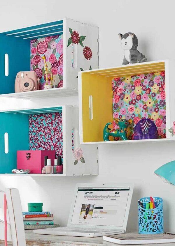 Papel adesivo pode decorar o fundo do caixote de feira
