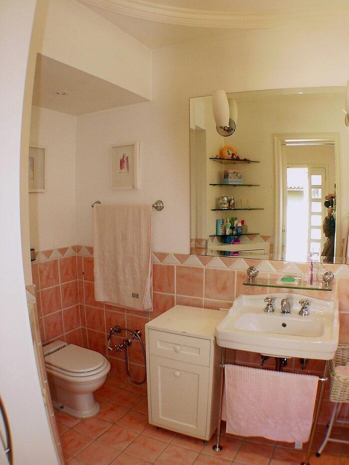 Prateleira de canto para banheiro