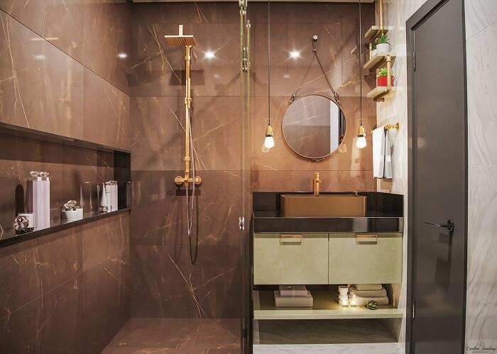Prateleira para banheiro compacto feito em canos de PVC