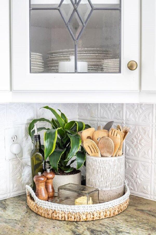 Reserve um cantinho especial na cozinha para incluir plantas