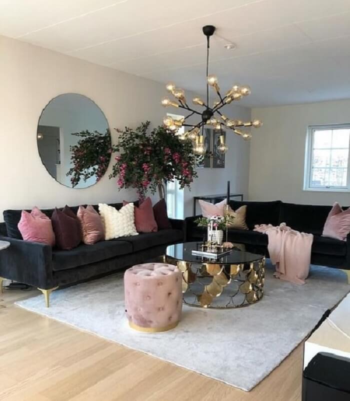 Tecido para sofá de veludo preto e pés dourados