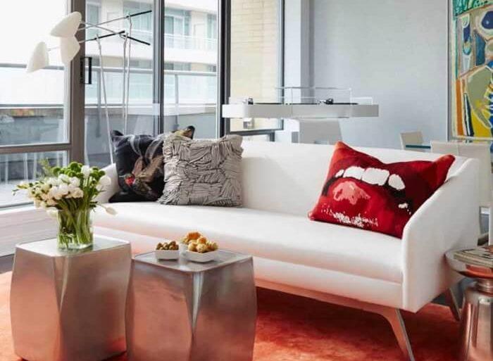 Tecido para sofá de couro branco traz elegância para o ambiente