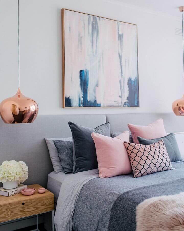 acabamento em rose gold para pendente para quarto cinza e rosa Foto Pinosy