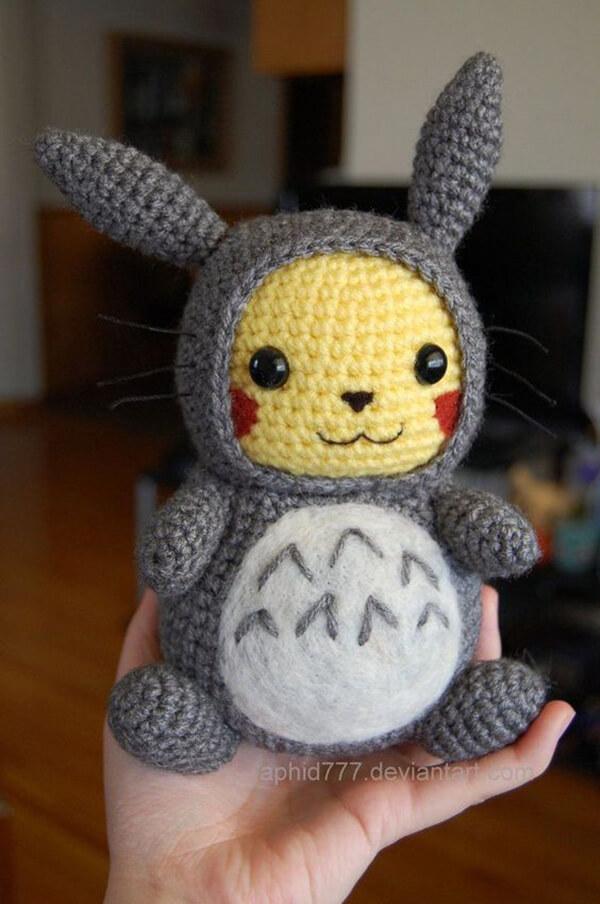 Pikachu de amigurumi super fofo