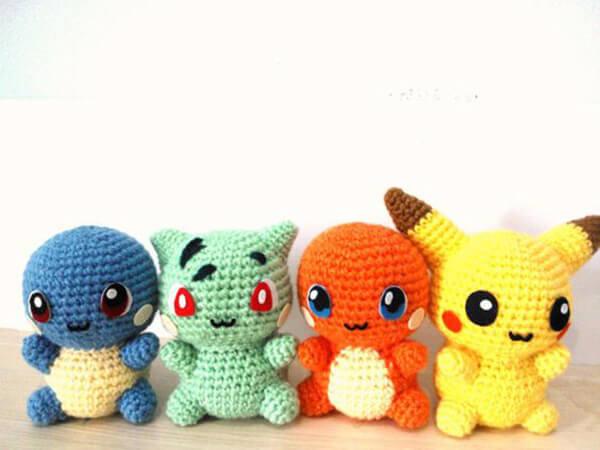 Personagens do desenho do Pikachu em amigurumi