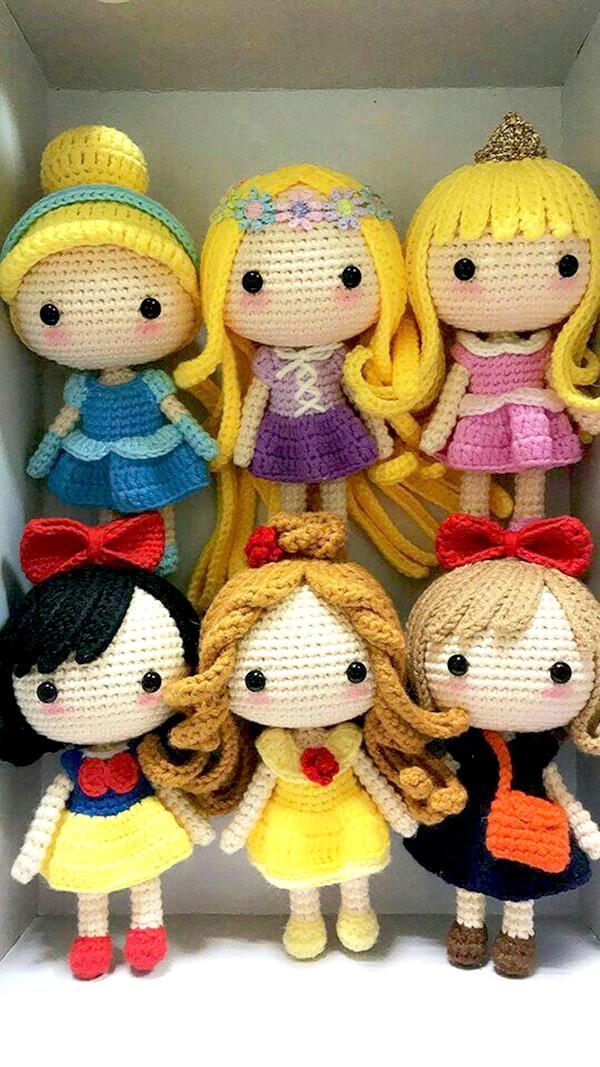 Bonequinhas de princesas em amigurumi