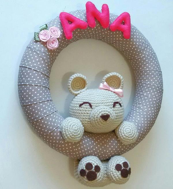 A técnica de amigurumi encanta a decoração das guirlandas