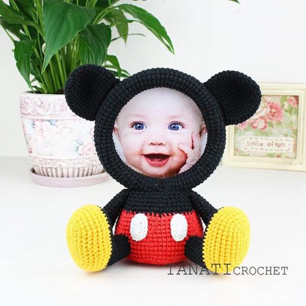 Mickey de amigurumi para porta-retrato