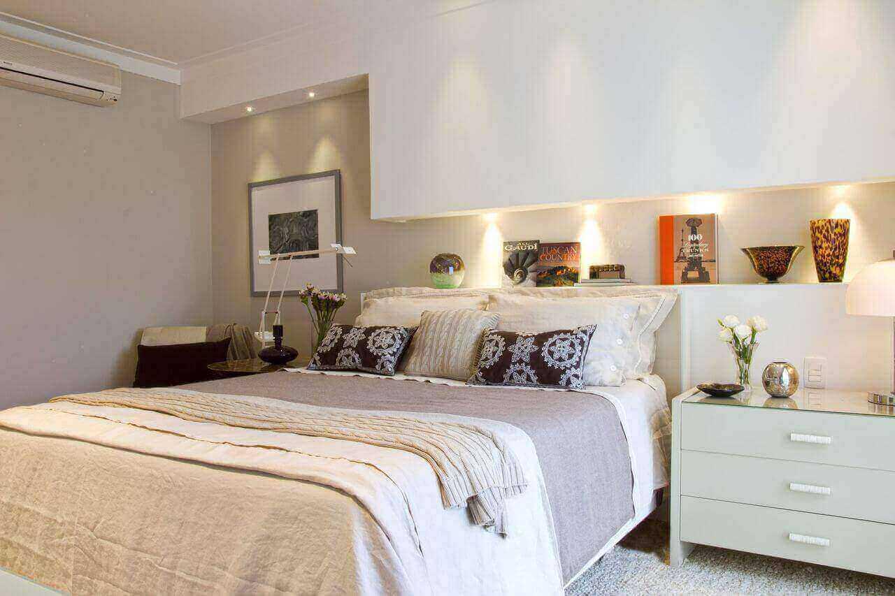 ar condicionado split - quarto com criado mudo