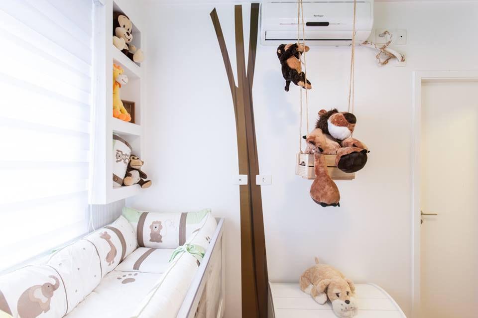 ar condicionado split - quarto de bebê com ar condicionado e bichos de pelúcia