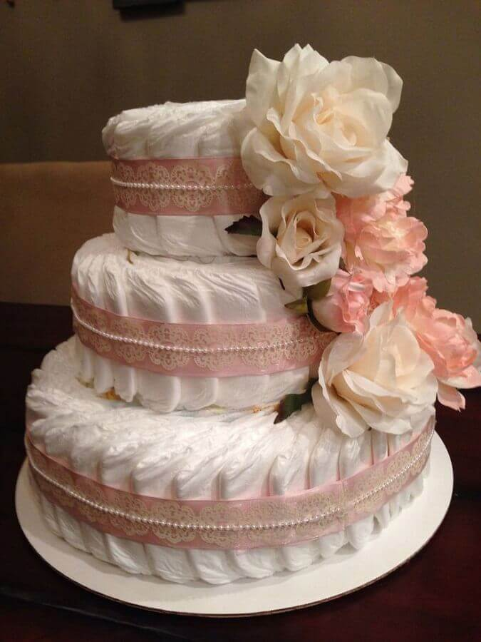 bolo fake para decoração para chá de fraldas Foto Como Fazer em Casa